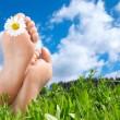 Как ухаживать за ногами летом?